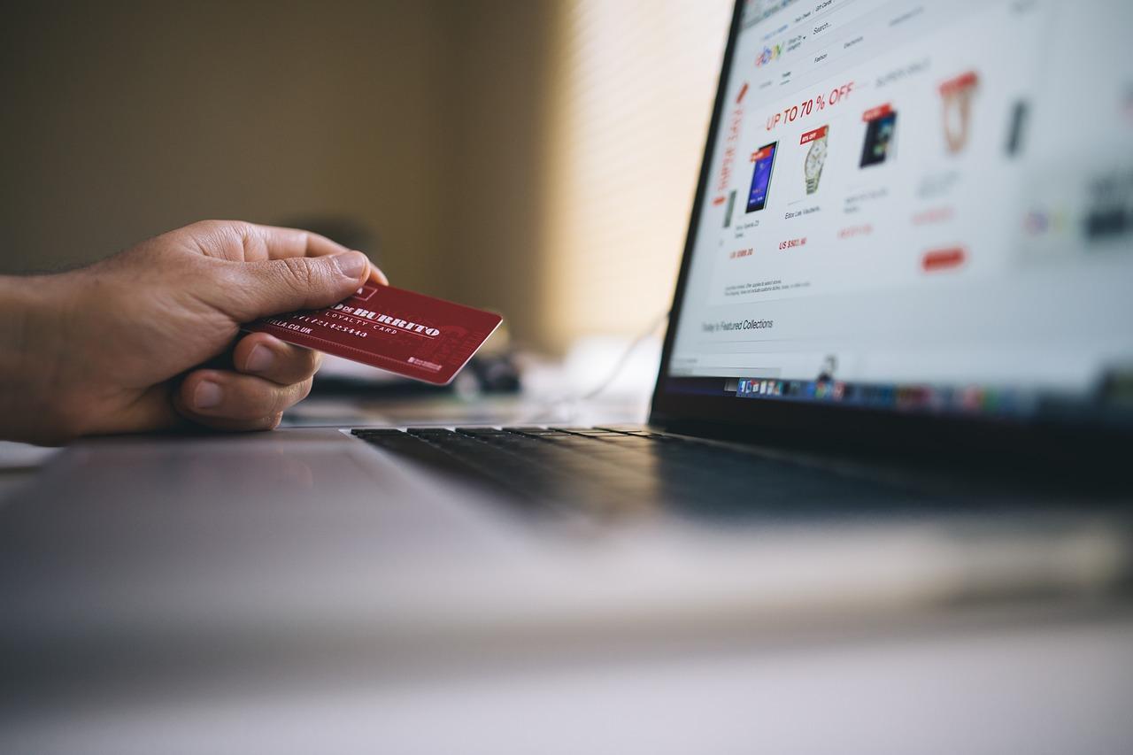 Посредники начнут продавать страховые полисы через Интернет